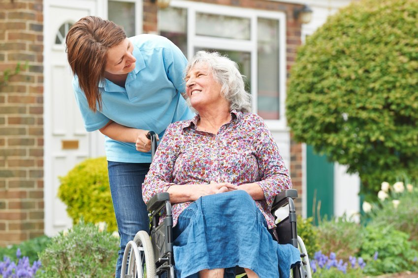 Warning Signs That Your Loved One May Need In Home Care