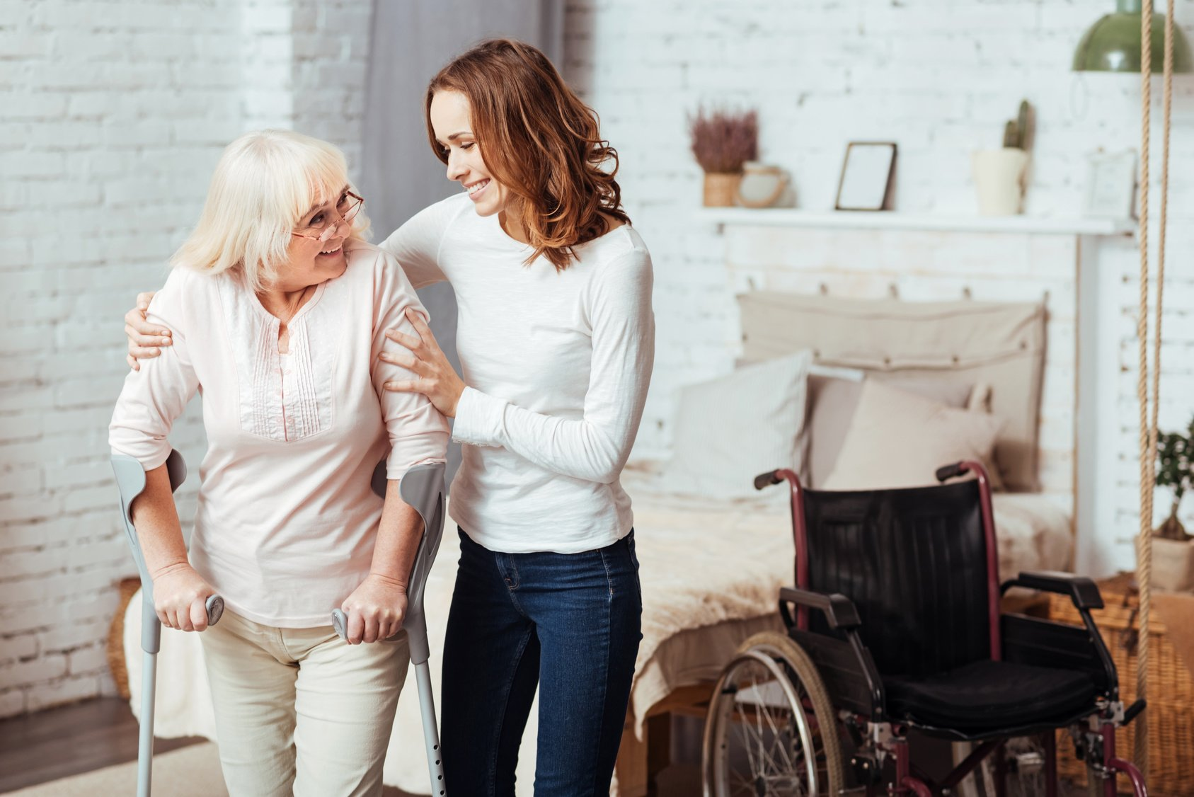 5 Benefits of Hiring in Home Caregivers